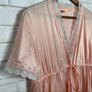 Vanity fair vintage night gown satin silk pink